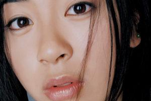 宇多田ヒカル (うただひかる) 1stアルバム『First Love (ファースト・ラヴ)』(1999年3月10日発売) 高画質ジャケット画像