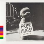 Kis-My-Ft2 (キスマイフットツー) 8thアルバム『FREE HUGS! (フリーハグズ)』(初回盤A) 高画質CDジャケット画像