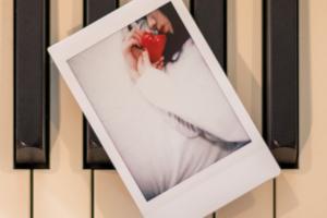 Official髭男dism (オフィシャルヒゲダンディズム) 1stデジタルシングル『Tell Me Baby / ブラザーズ』(2017年7月21日配信) 高画質CDジャケット画像 (ジャケ写)