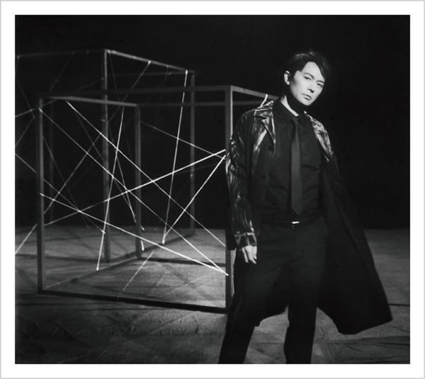 福山雅治 (ふくやままさはる) 12thアルバム『AKIRA (アキラ)』(ファンクラブ限定「BROS.」盤) 高画質CDジャケット画像 (ジャケ写)