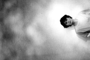 福山雅治 (ふくやままさはる) 15thシングル『桜坂 (さくらざか)』(2000年4月26日発売) 高画質CDジャケット画像 (ジャケ写)